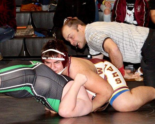 Five wrestlers place at Hettinger
