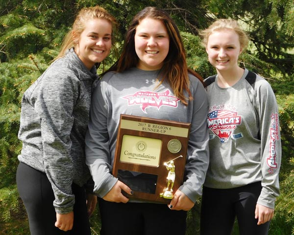 Girls golf team punches ticket to state golf tourney