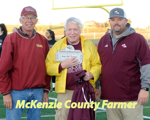 Trauger honored for 31 years on football chain gang
