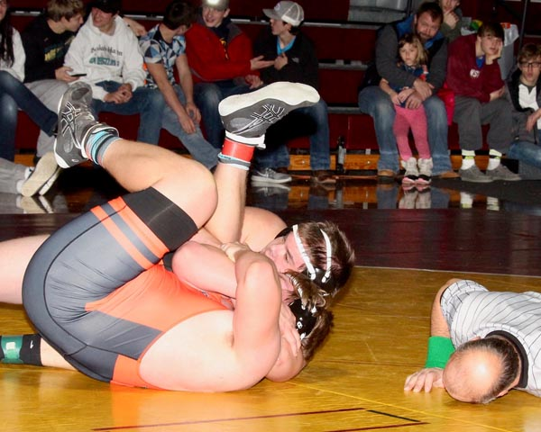 Wrestlers claim two champions at Linton Tournament